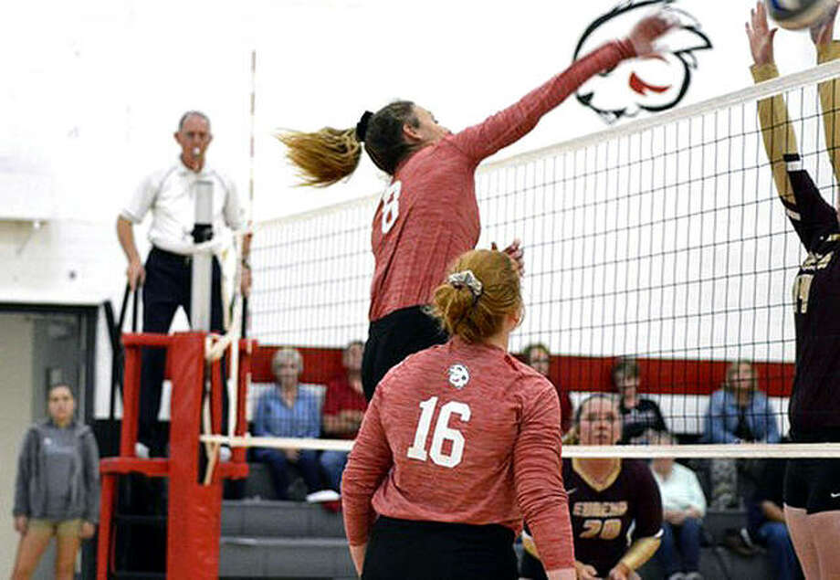 Blackburn's Lucy Magnussen (8) had 13 kills and teammate Amanda Swedberg (16) had 16 digs in the Beavers' 3-0 victory over Eureka College Tuesday night in Carlinville. It was the first Blackburn sweep of Eureka in more than a decade. Photo: Blackburn Athletics