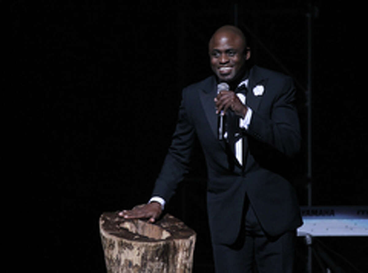Entertainer Wayne Brady is seen addressing the crowd at the 2013 Apollo Spring Gala, on Monday, June 10, 2013 in New York. (Photo by Donald Traill/Invision/AP)