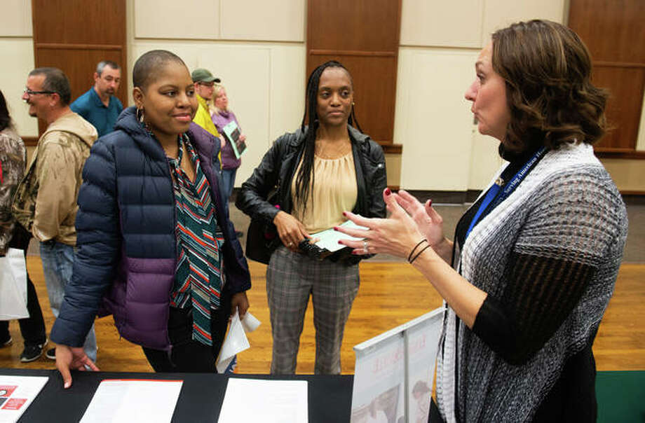 Attendees at the 2018 Illinois Regional College Fairshow interest in the SIUE College of Pharmacy. Photo: For The Intelligencer