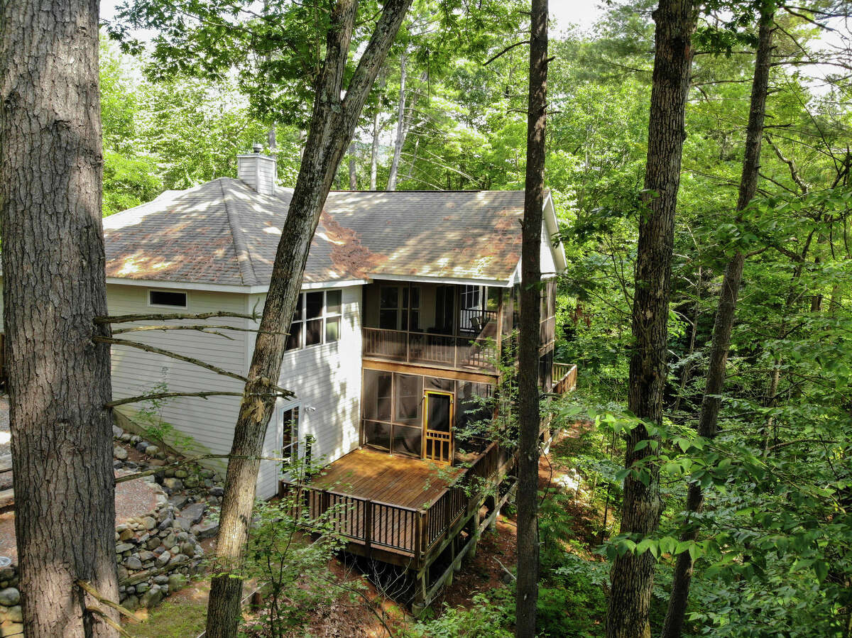 House of the Week: 1 Camp Teck Rd., Lake Luzerne   Realtor: Gilah Moses of Select Sotheby's Realty   Discuss: Talk about this house