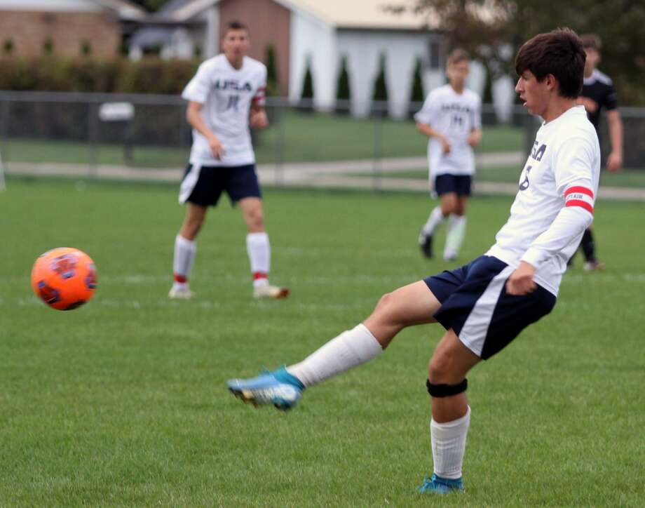 The USA boys soccer team will travel to Franken-muth today for a districts battle against Flint Powers Catholic to decide who moves onward in the playoffs. The game kicks off at 4 p.m. at Franken-muth High School. Photo: Eric Rutter/Huron Daily Tribune, File