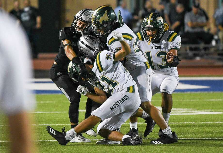 Nixon hosts Del Rio at 7 p.m. Thursday. The Mustangs look to capture their first district win of the year as they are 0-3 in league play. Photo: Danny Zaragoza /Laredo Morning Times File
