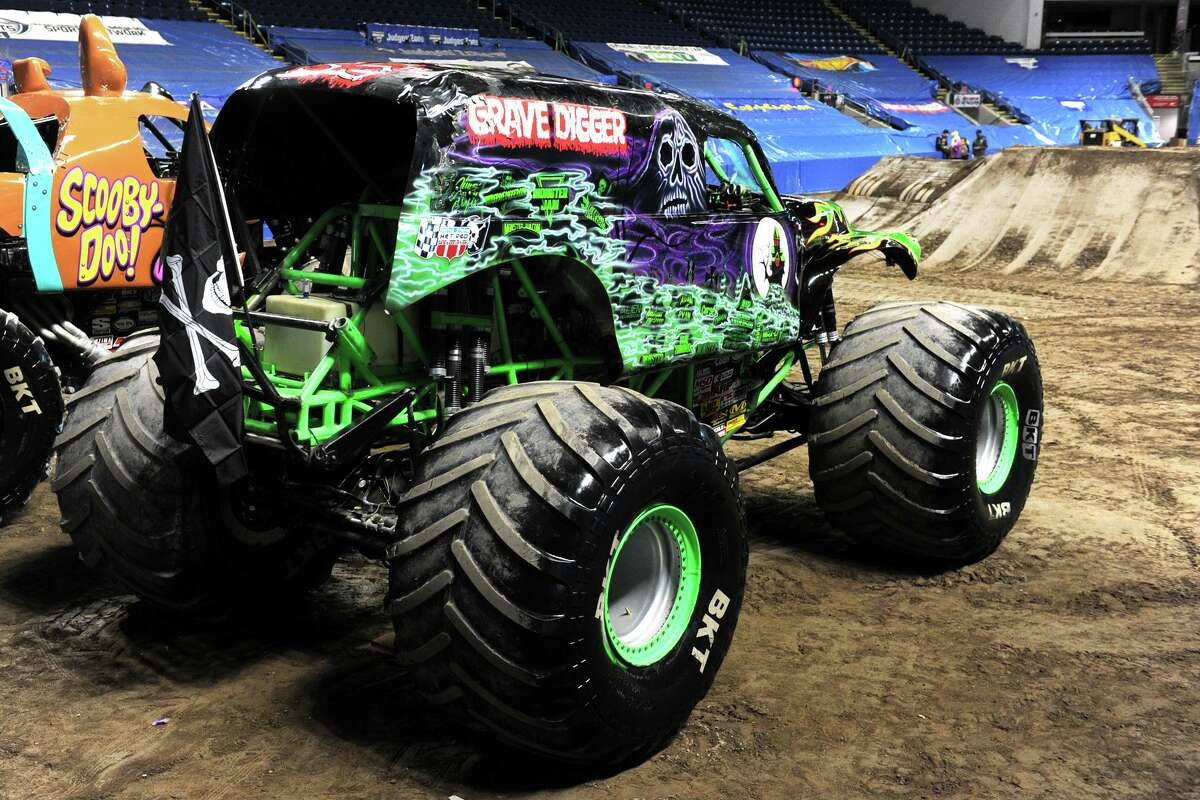 """""""Scooby-Doo"""" and """"Grave Digger,"""" at Webster Bank Arena in 2017, will be back at the Bridgeport venue November 15-17."""