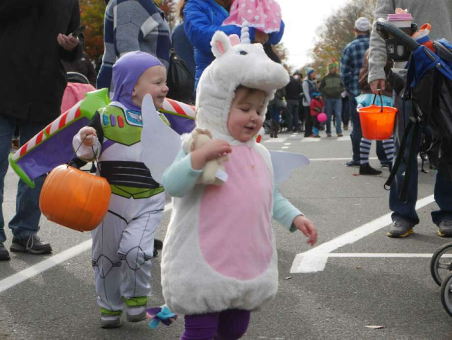 Ridgefield's two-part Halloween celebration begins with the annual Halloween walk on Saturday, Oct. 26, from 10 a.m. to noon. The next event is the police department's annual Trunk or Treat event at Lounsbury House from 5 to 9 p.m. Thursday, Oct. 31. Photo: Stephen Coulter / Hearst Connecticut Media