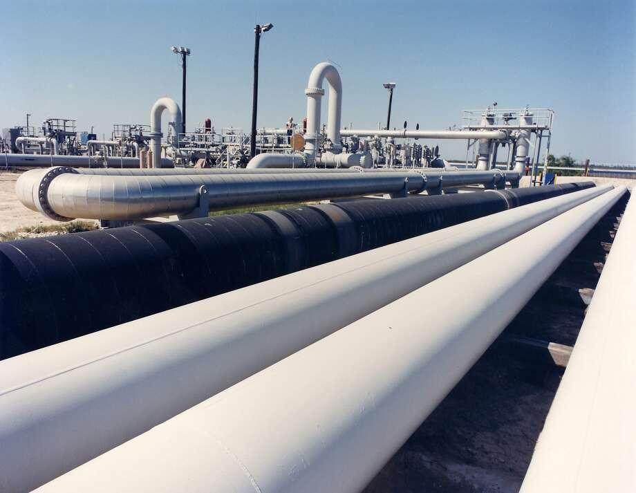 An undated photo provided by the Energy Department shows crude oil pipes at the Bryan Mound site near Freeport, Texas.  Photo: Associated Press