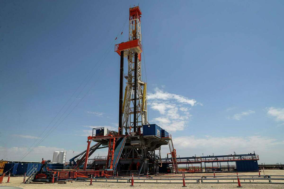 The number of drilling rigs hit a historic low this week as the price of oil continued its rebound.
