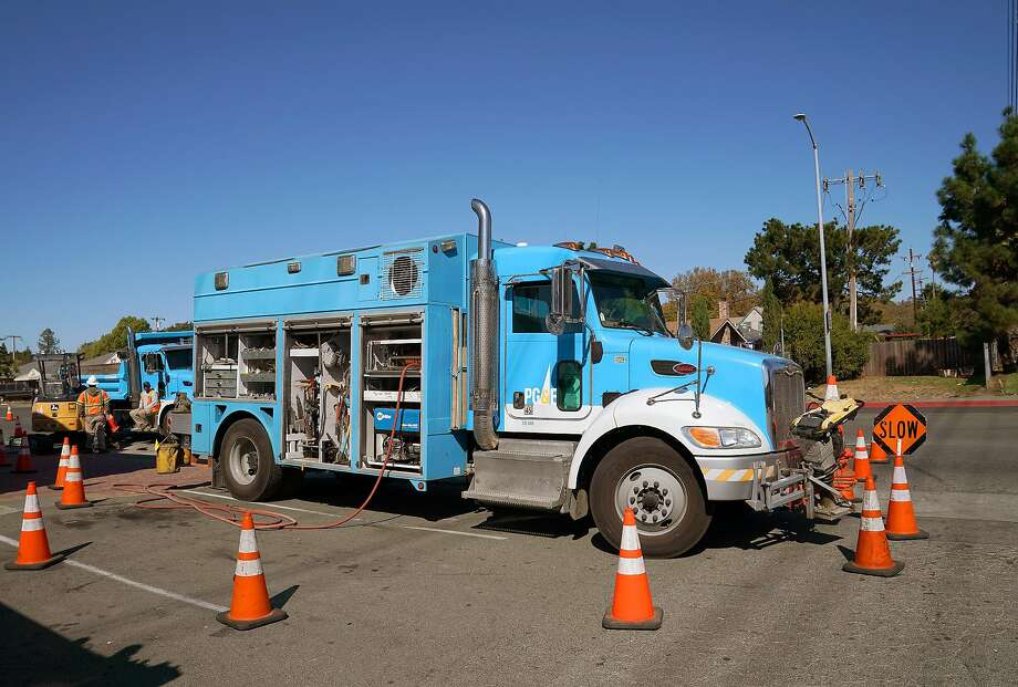 Pacific Gas & Electric crews work on October 09, 2019 in Vallejo, California. PG&E plans on cutting power to hundreds of thousands of customers across central and northern California as a precaution against starting wildfires as low humidity and high winds increase the threat in the area. Photo: Thearon W. Henderson, Getty Images