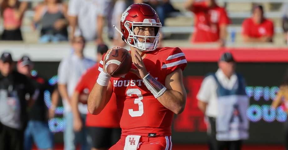 PHOTOS: UH vs. UConn  Houston Cougars quarterback Clayton Tune (3) looks for an open receiver during the fourth quarter of the college football game between the Cincinnati Bearcats and Houston Cougars at TDECU Stadium, October 12, 2019 in Houston, TX. >>>See more photos from the Cougars' win on Saturday ...  Photo: Leslie Plaza Johnson/Contributor