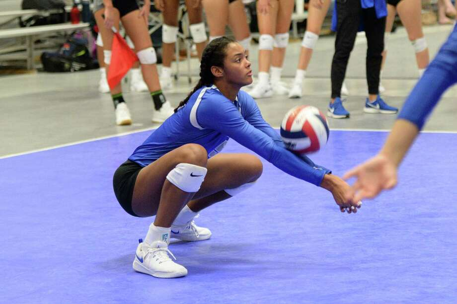 Episcopal's Bria Woodard, who led the Knights with 242 killers and 204 digs as a junior, was the GHVCA Private School Player of the Year and earned a spot on their 2020 preseason team. Photo: Craig Moseley, Staff / Staff Photographer / ©2019 Houston Chronicle