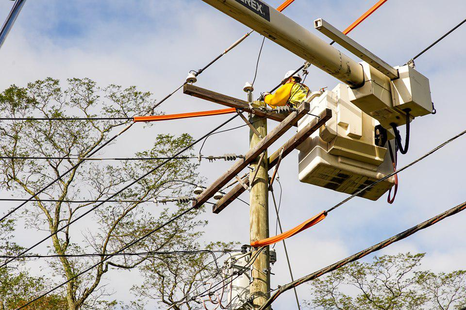 Thousands still without power in CT
