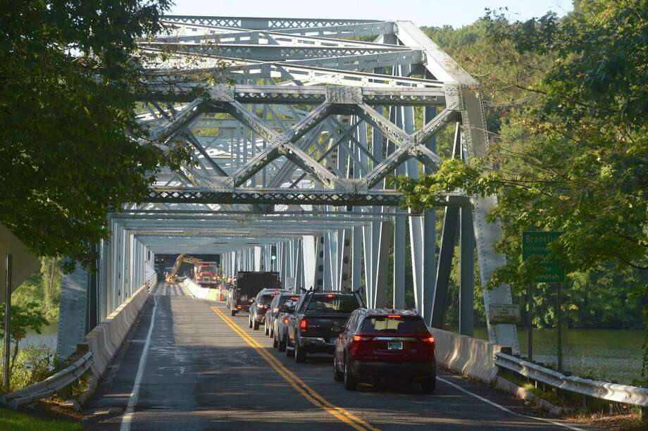 Traffic waits to cross the Lake Lillinonah Bridge, Route 133, Tuesday, September 3, 2019. Photo: H John Voorhees III / Hearst Connecticut Media / The News-Times