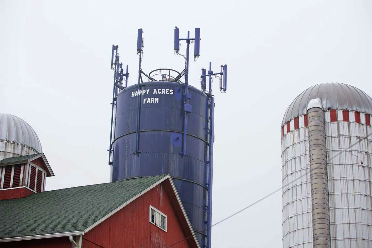 Full Circle Farming partners John Motsinger and Adam Mantzaris have been leasing Happy Acres Farm from the town of Sherman for a year this December. On Tuesday, December 22, 2015, we catch up with John and Adam and see what's new and what has stayed the same.