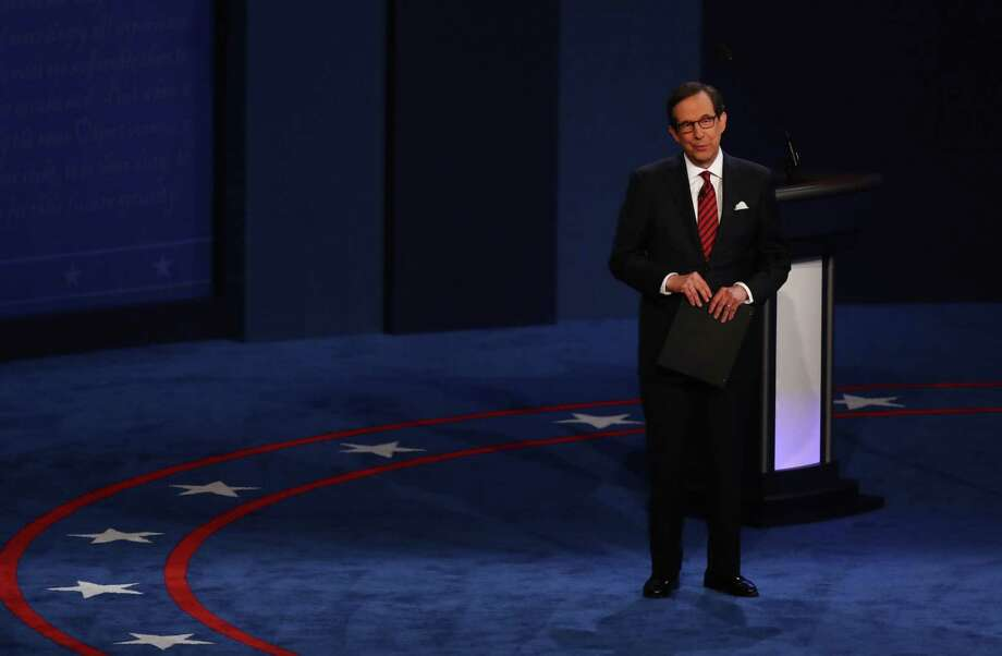 Moderator Chris Wallace of Fox News speaks during the third presidential debate in Las Vegas on Oct. 19, 2016. Photo: Bloomberg Photo By Andrew Harrer. / © 2016 Bloomberg Finance LP