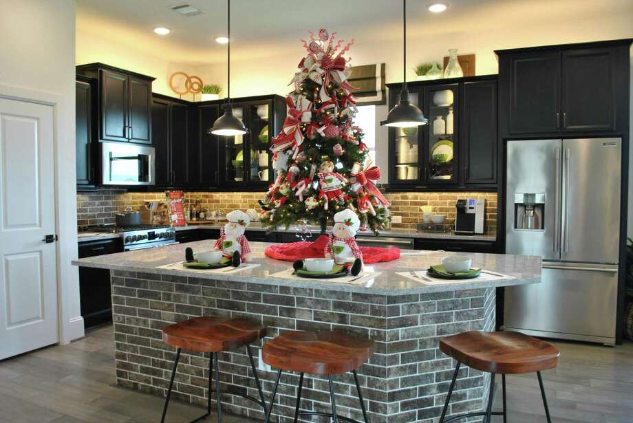 Visitors will find a different, Instagram-worthy Christmas tree in every Cane Island model as well as its Welcome Center and The Oaks Kitchen & Bar through the end of October.