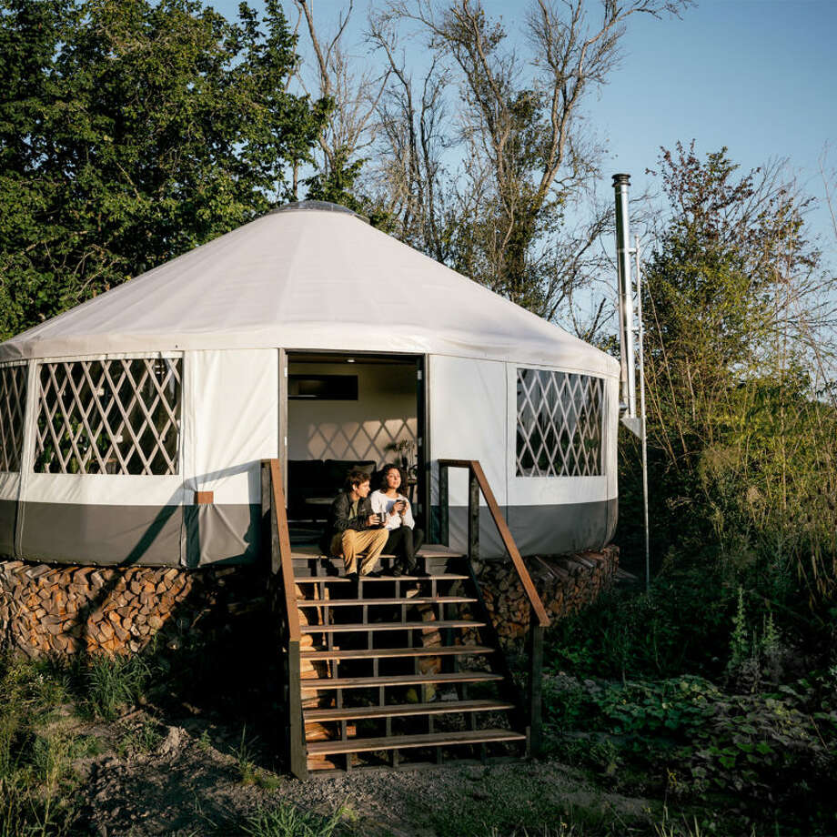 The yurt, located just twenty minutes outside of downtown Portland, is an Eagle Yurt by Rainier Outdoor, measuring a little more than thirty feet in diameter. Photo: Bryan Aulick