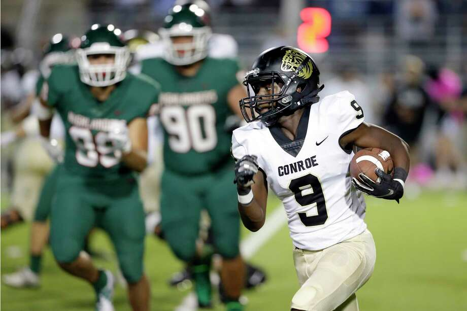 Conroe's Jalen Williams (9), pictured here as a junior against The Woodlands, will move from wide receiver to quarterback for his senior year. Photo: Michael Wyke / Contributor / © 2019 Houston Chronicle