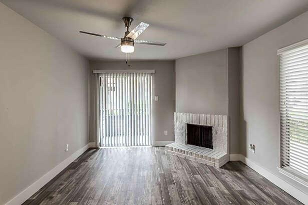 10936 Meadowglen Lane. | Photo:Apartment Guide