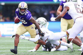 1. Salvon Ahmed is turning into an elite back  Heading into this season, there were questions about whether Salvon Ahmed could truly step up as UW's #1 tailback. The junior from Kirkland has smashed those questions to bits over the past couple of weeks, including a monster 140-yard day against the Ducks. For the entire contest, Ahmed shredded a tough Oregon defense. If UW's defense had tightened up in the second half, Ahmed could've handed them the game on a silver platter.