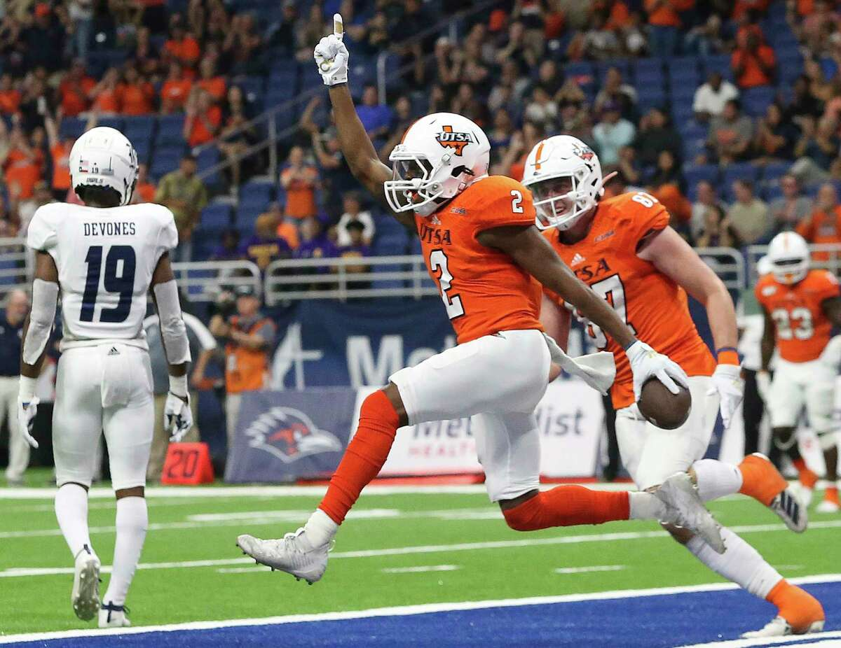 Roadrunner receiver Sheldon Jones celebrates his reception in the end zone for a two point conversion which tied the game as UTSA hosts Rice at the Alamodome on Oct. 19, 2019.