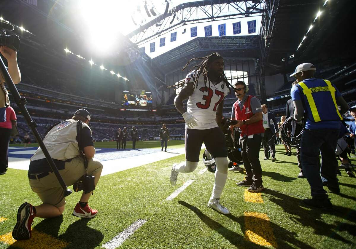 Houston Texans strong safety Jahleel Addae (37) heads back into the locker room after warming up before taking on the Indianapolis Colts at Lucas Oil Stadium on Sunday, Oct. 20, 2019 in Indianapolis.