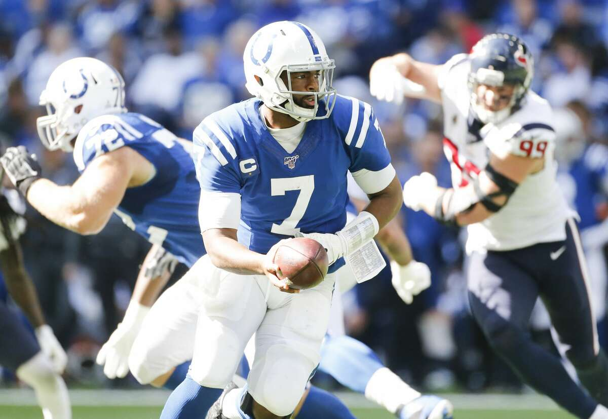 Indianapolis Colts quarterback Jacoby Brissett (7) looks to hand off the ball in the first half at Lucas Oil Stadium on Sunday, Oct. 20, 2019 in Indianapolis.