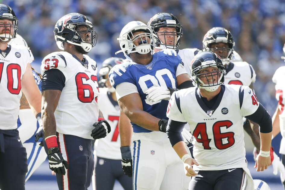 Houston Texans and Indianapolis Colts watch as Houston Texans kicker Ka'imi Fairbairn (7) field goal goes in in the first half at Lucas Oil Stadium on Sunday, Oct. 20, 2019.