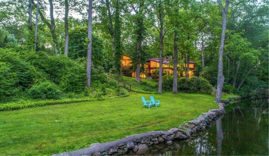 19 Hemlock Ridge Road, Weston Photo: Berkshire Hathaway Home Services New England Properties / Contributed Photo