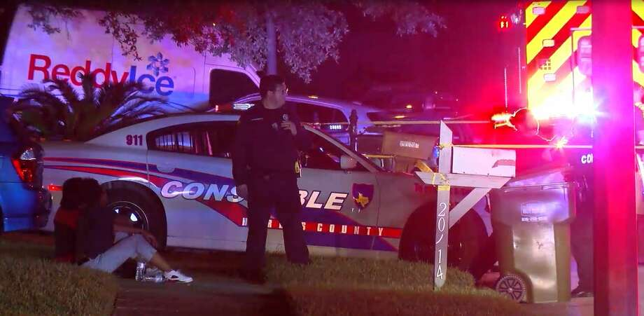 Harris County Sheriff's Office investigators are investigating an in-custody death after a man shot himself while deputies were responding to an assault. Photo: OnScene.TV