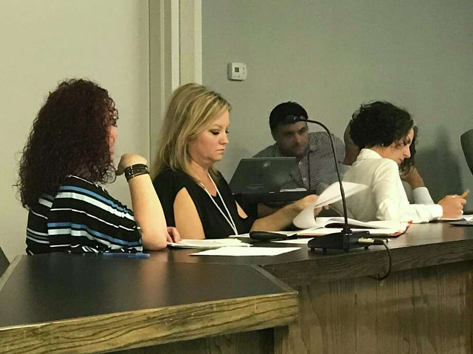 Montgomery ISD Director of Special Programs Jada Mullins informed the board of the benefits of consolidating the dual language program Photo: Meagan Ellsworth / Meagan Ellsworth