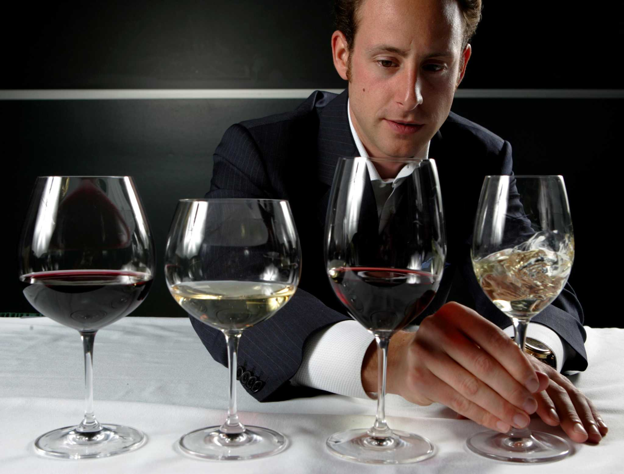 It's all in the glass: Chronicle writer finds wine's flavor hinges on its stemware.