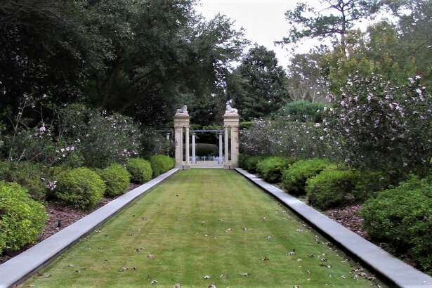 Newberry Architecture of Houston and Suzanne Turner Associates of Baton Rouge, La., received the 2019 John Staub Award for Residential Landscape for the French chateau-style landscaping at the Houston home of John and Terri Havens.