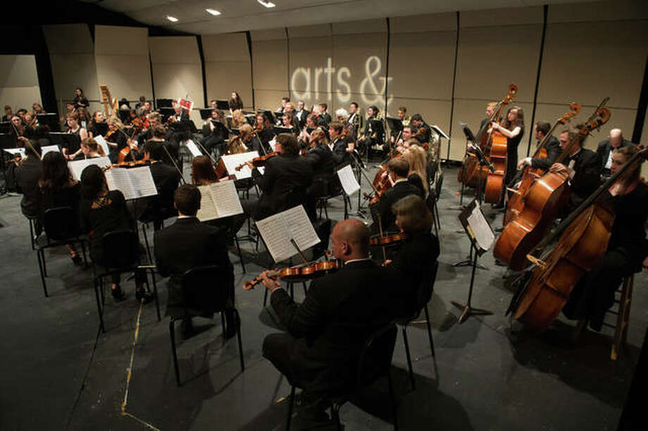 The combined Southern Illinois University in Carbondale (SIUC) and Southern Illinois University Edwardsville (SIUE) orchestras perform last year during a SIUE Arts & Issues series event. This year, the combined orchestras and Awadagin Pratt will perform Grieg's Piano Concerto in A Minor in the first half of the concert; the combined orchestras will perform Mahler Symphony No. 1 in the second half. Photo: For The Intelligencer