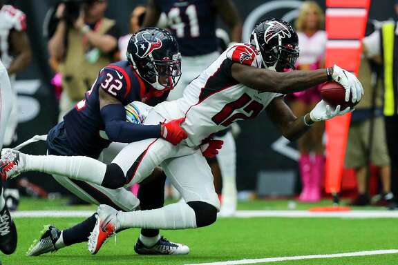 The Texans have had trouble stopping the pass all season. Mohamed Sanu of Atlanta scores against them three weeks ago.