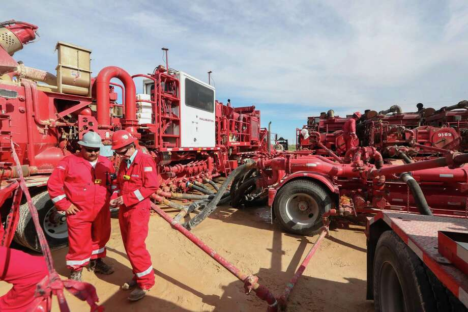 Houston oilfield service company Halliburton closed 2019 with a $1.1 billion loss amid an ongoing shale slump in the United States that has weakened demand for hydraulic fracturing and related services. Photo: Steve Gonzales, Staff Photographer / Houston Chronicle / © 2017 Houston Chronicle