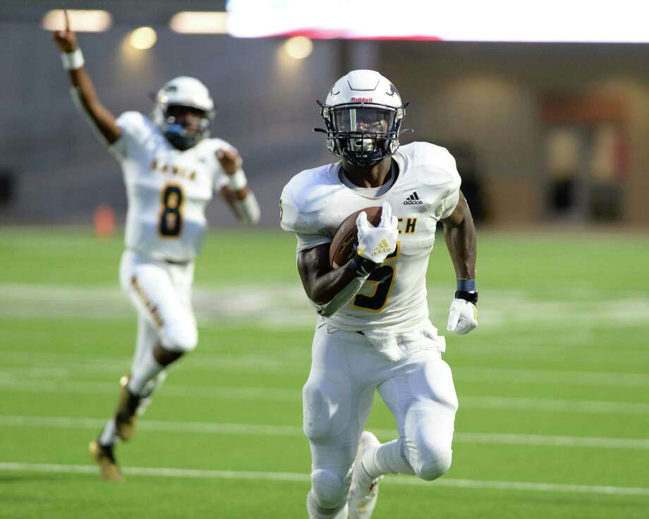 Willie Eldridge (5) of Cy Ranch scores a touchdown against Cinco Ranch earlier this season. Cy Ranch could clinch a district tile with a win on Friday.. Photo: Craig Moseley, Houston Chronicle / Staff Photographer / ©2019 Houston Chronicle