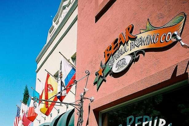 BEERTOUR24O - Bear Republic Brewing Company