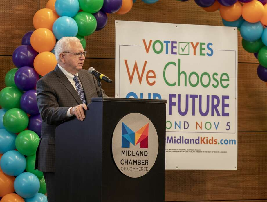 Bobby Burns, president and CEO of the Midland Chamber of Commerce, speaks at the MISD bond rally for early voting Tuesday, Oct. 22, 2019 at the Bush Convention Center. Photo: Jacy Lewis/Reporter-Telegram