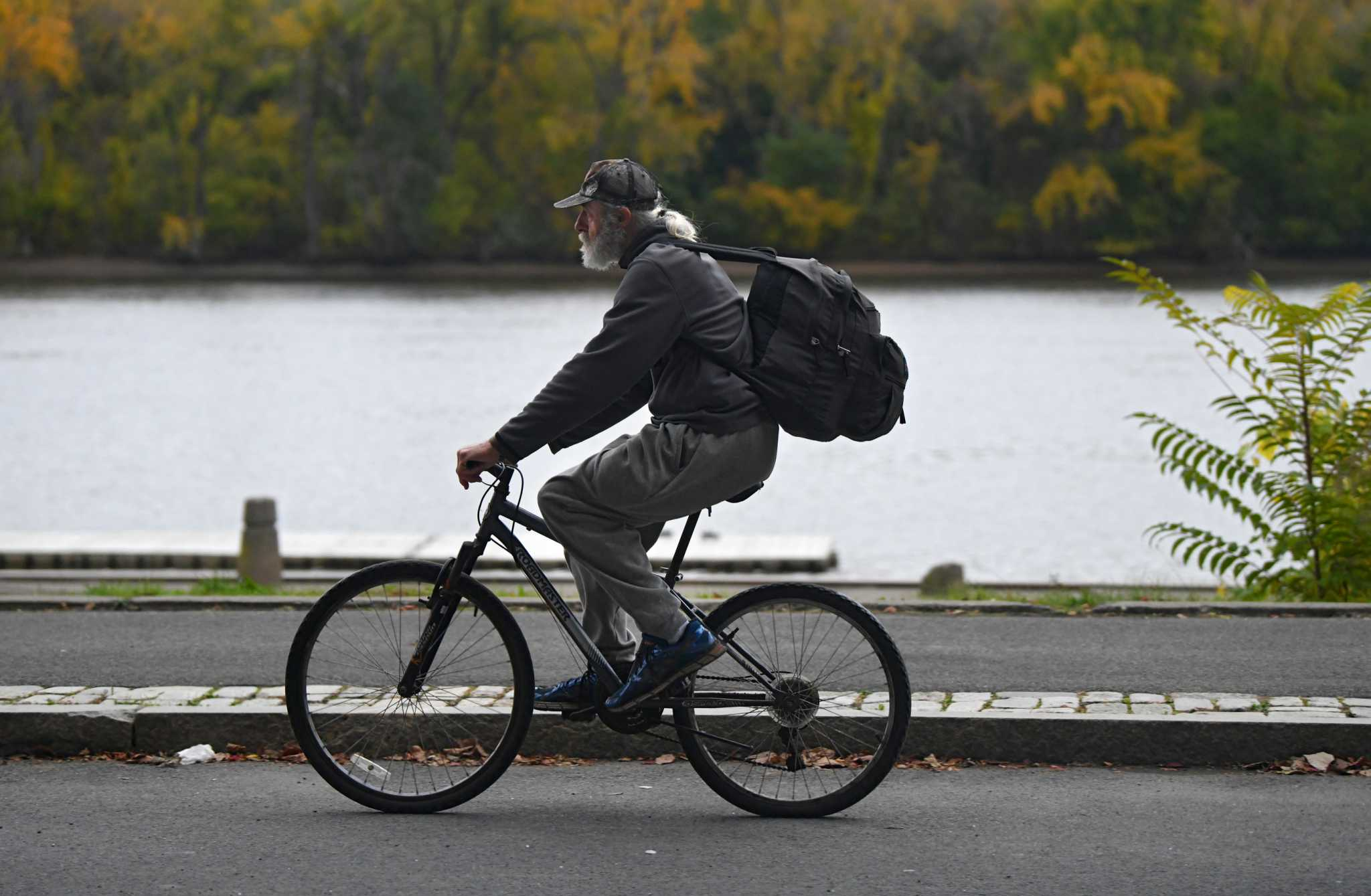 Jason Gough's forecast: A breezy day slips into Albany area