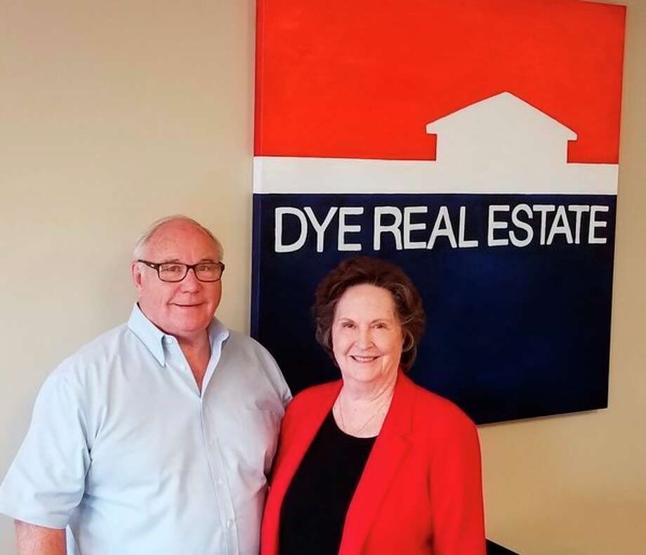 Randy and Carol Dye have opened their own independent real-estate office, Dye Real Estate. (Courtesy photo)