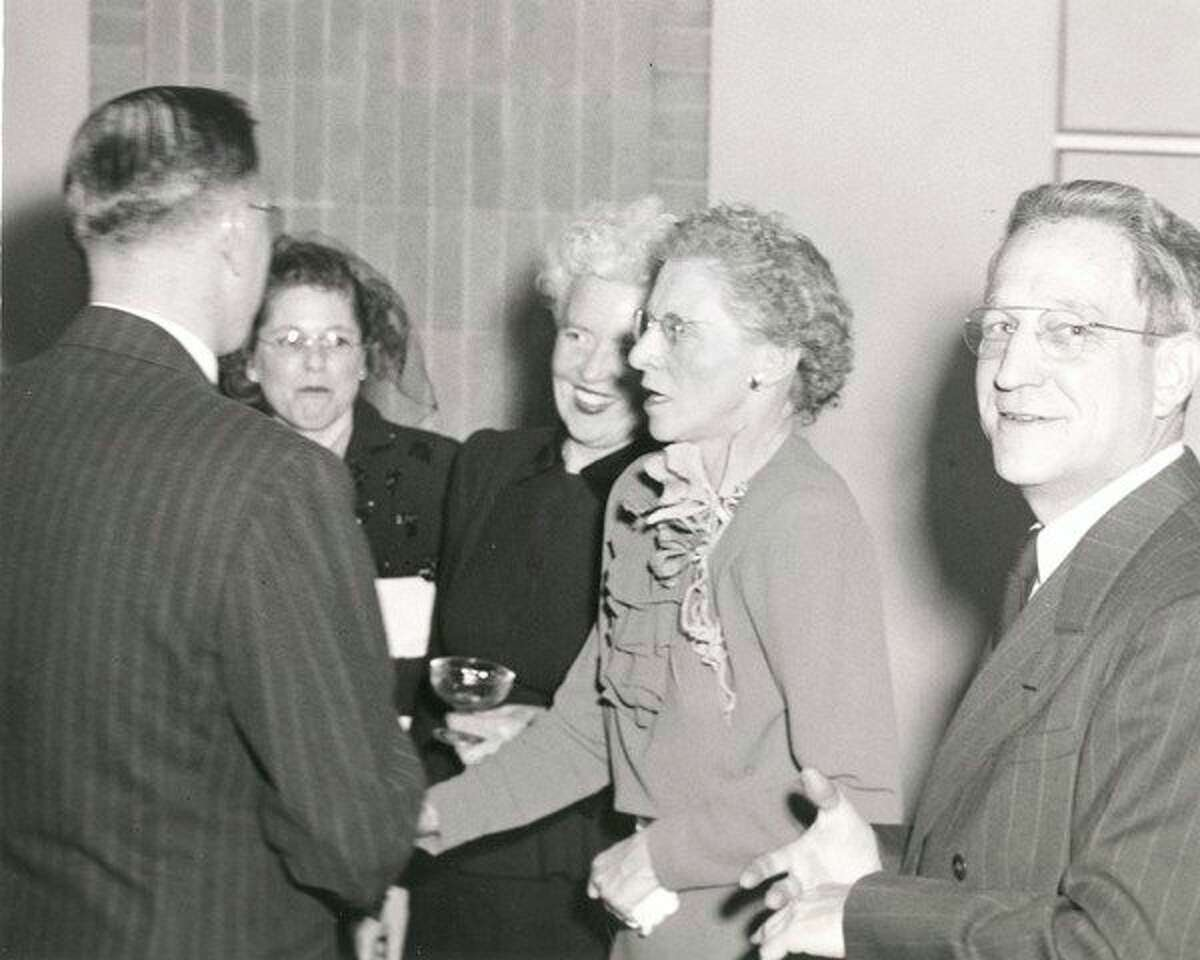 Claire Morrill attends a testimonial dinner in December 1945. (Daily News archive photo)