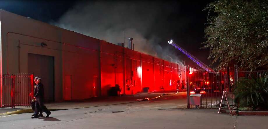 Investigators are trying to determine what started a fire inside a grocery store at a shopping center in southwest Houston early Wednesday. Photo: OnScene.TV