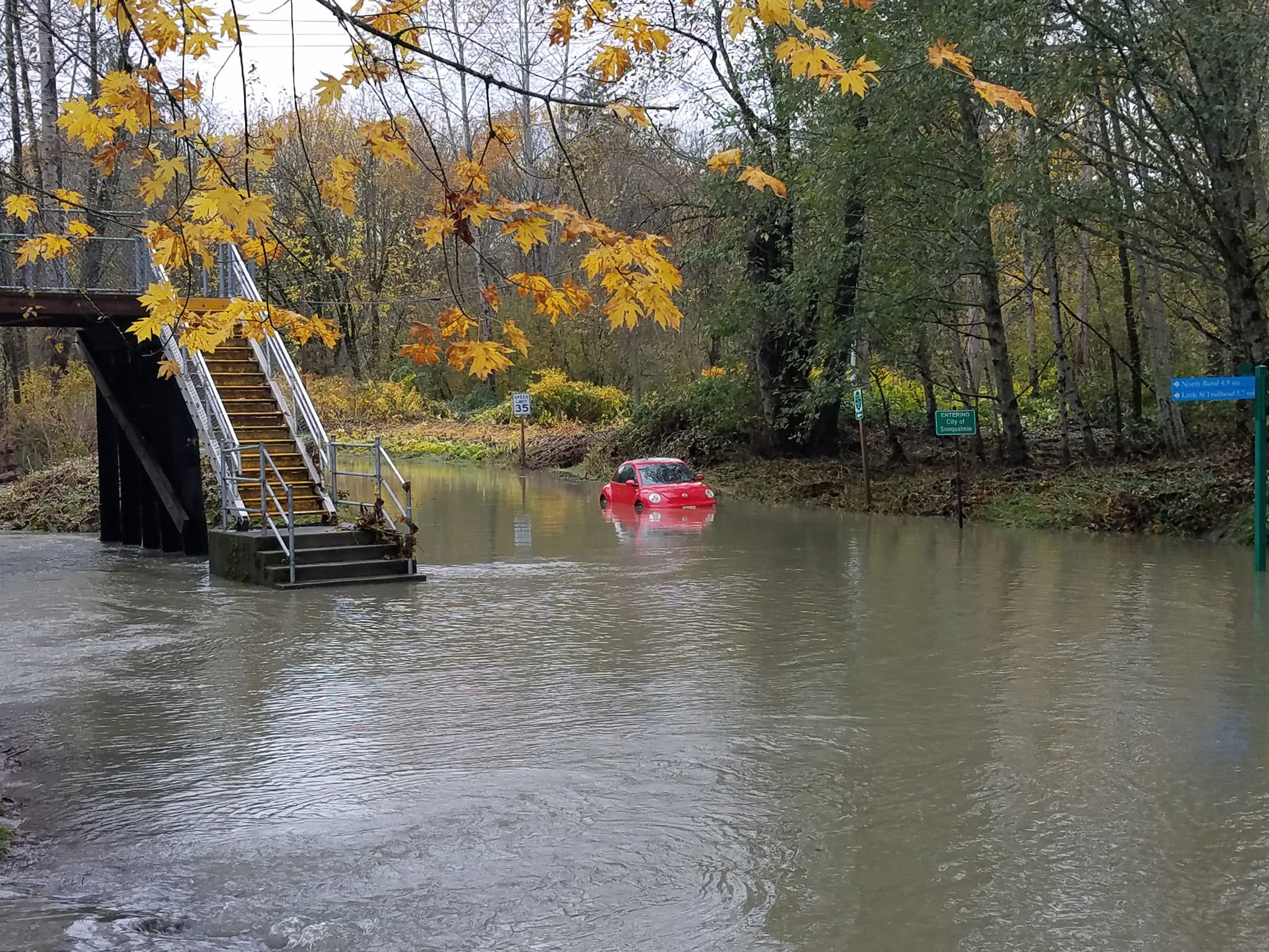 Rains bring floods to parts of Western Washington