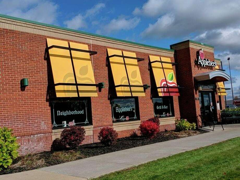 The Big Rapids Applebee's, 718 Perry Ave., will host a fundraiser this weekend. (Pioneer photo/Catherine Sweeney)
