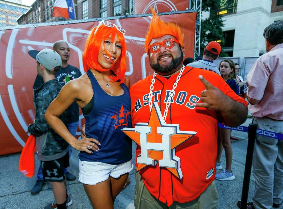 Astros fans prepare for Game 2 of the World Series at Minute Maid Park in Houston on Wednesday, Oct. 23, 2019. Photo: Elizabeth Conley, Staff Photographer / © 2019 Houston Chronicle
