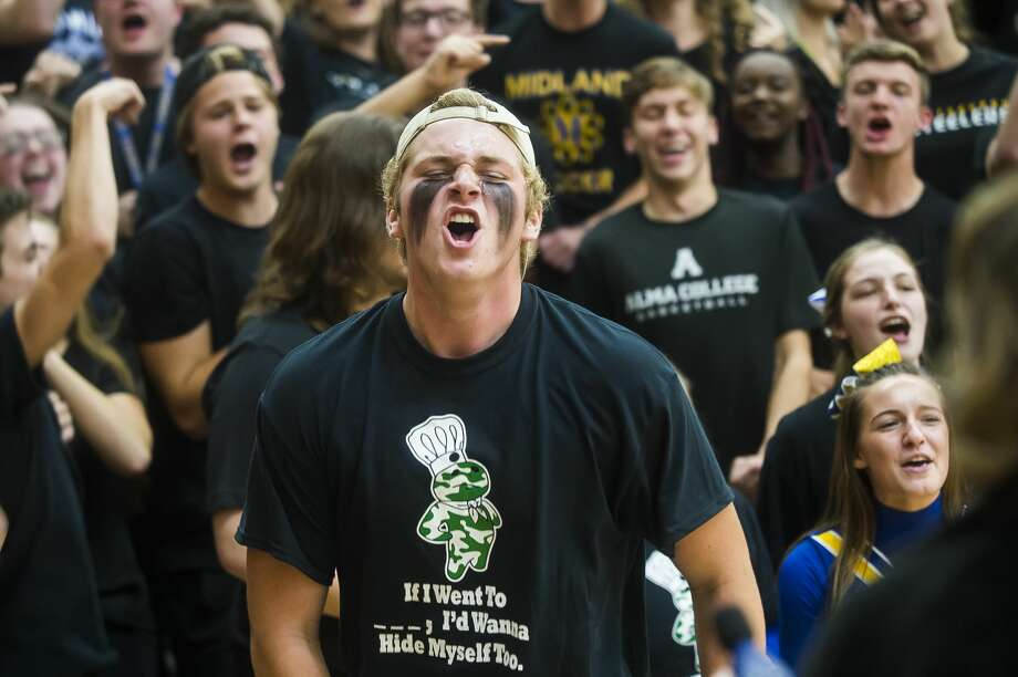 """Midland High School students, dressed in different colors for each grade level, compete in games during the """"Yell Night"""" pep rally Wednesday, Oct. 23, 2019 at the school. (Katy Kildee/kkildee@mdn.net) Photo: (Katy Kildee/kkildee@mdn.net)"""