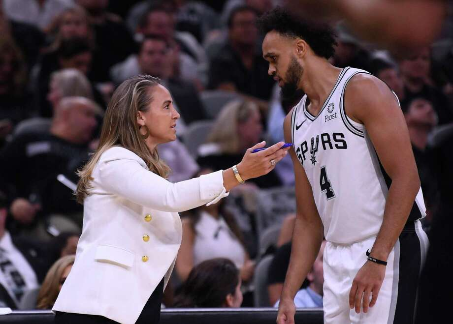 San Antonio Spurs assistant coach Becky Hammon gives advice to guard Derrick White during NBA action against the New York Knicks in the AT&T Center on Wednesday, Oct. 23, 2019. Photo: Billy Calzada / Staff Photographer / San Antonio Express-News