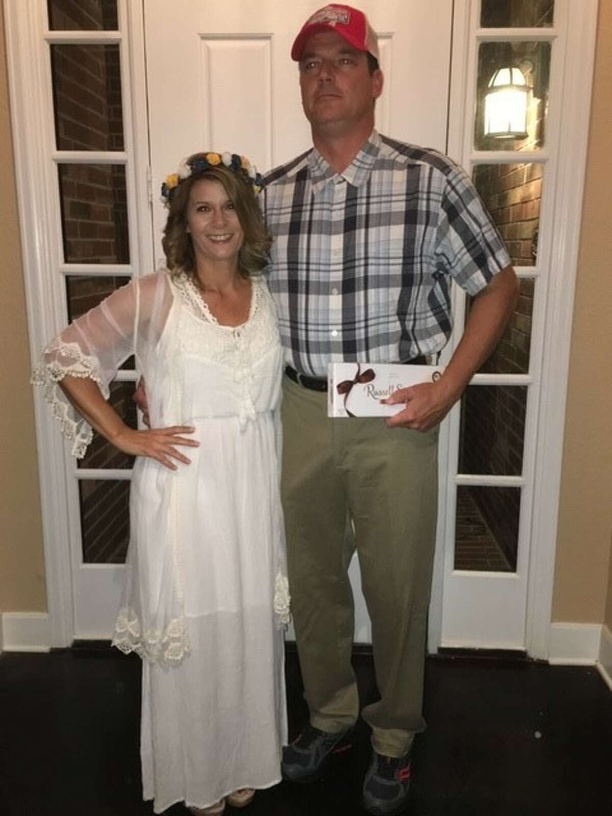 Kens 5 meteorologist Bill Taylor and his wife Jamie as Forrest Gump and Jenny