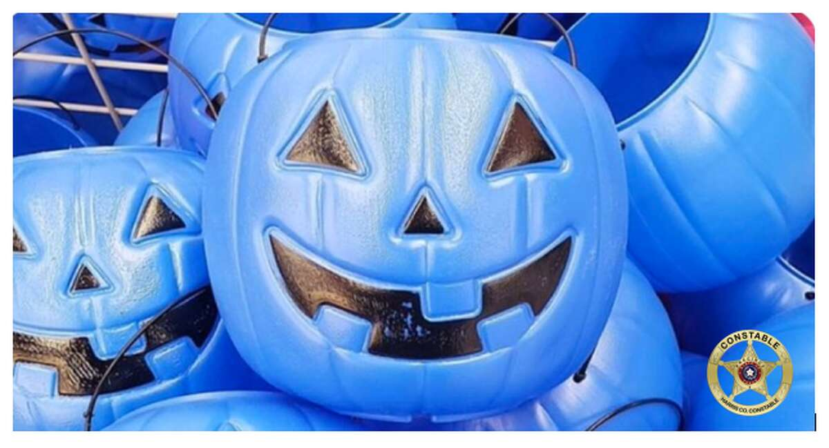 This Halloween, Houstonians eager to hand out candy to little trick-or-treaters should keep an eye out for blue buckets that may signal a child has autism.