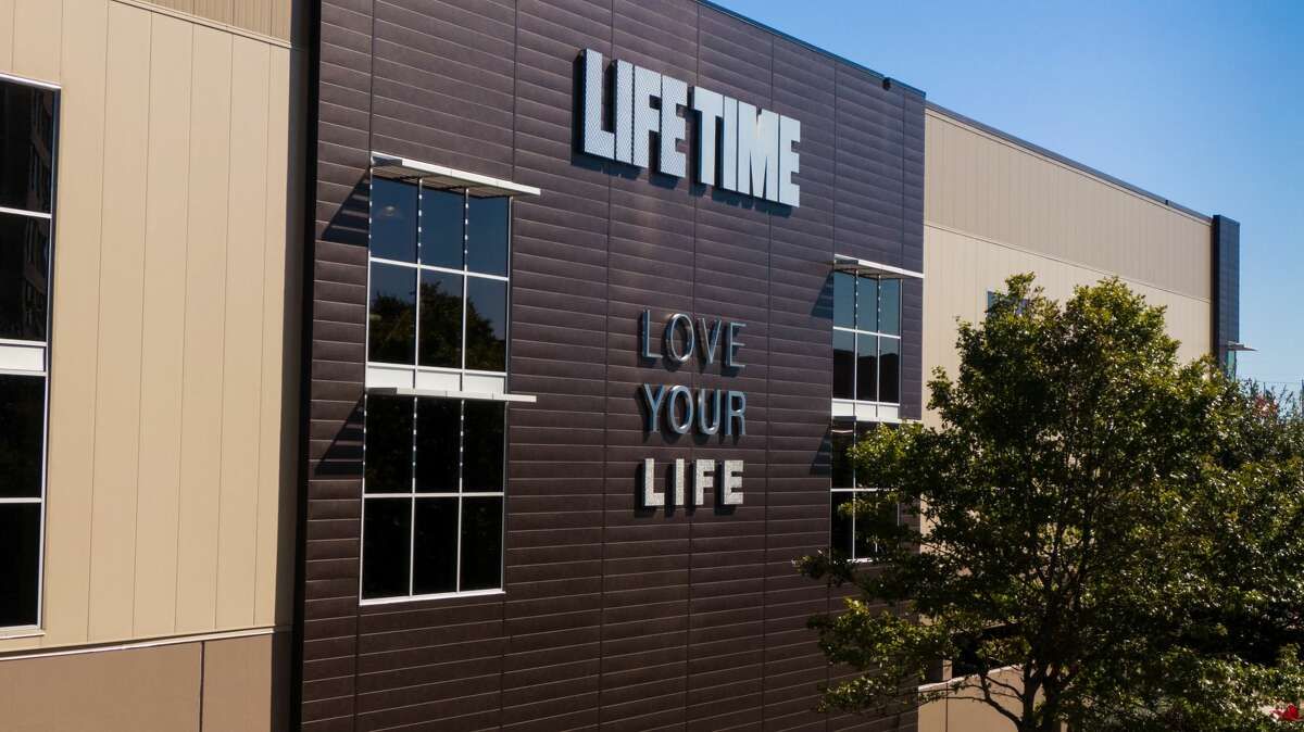 Life Time will open its 150,000-square-foot athletic resort in the former Houston City Club on Monday, Oct. 28. Life Time Greenway features studios, two full-size basketball quarters, indoor and outdoor pools, a childcare center, restaurant, spa, and co-working space.