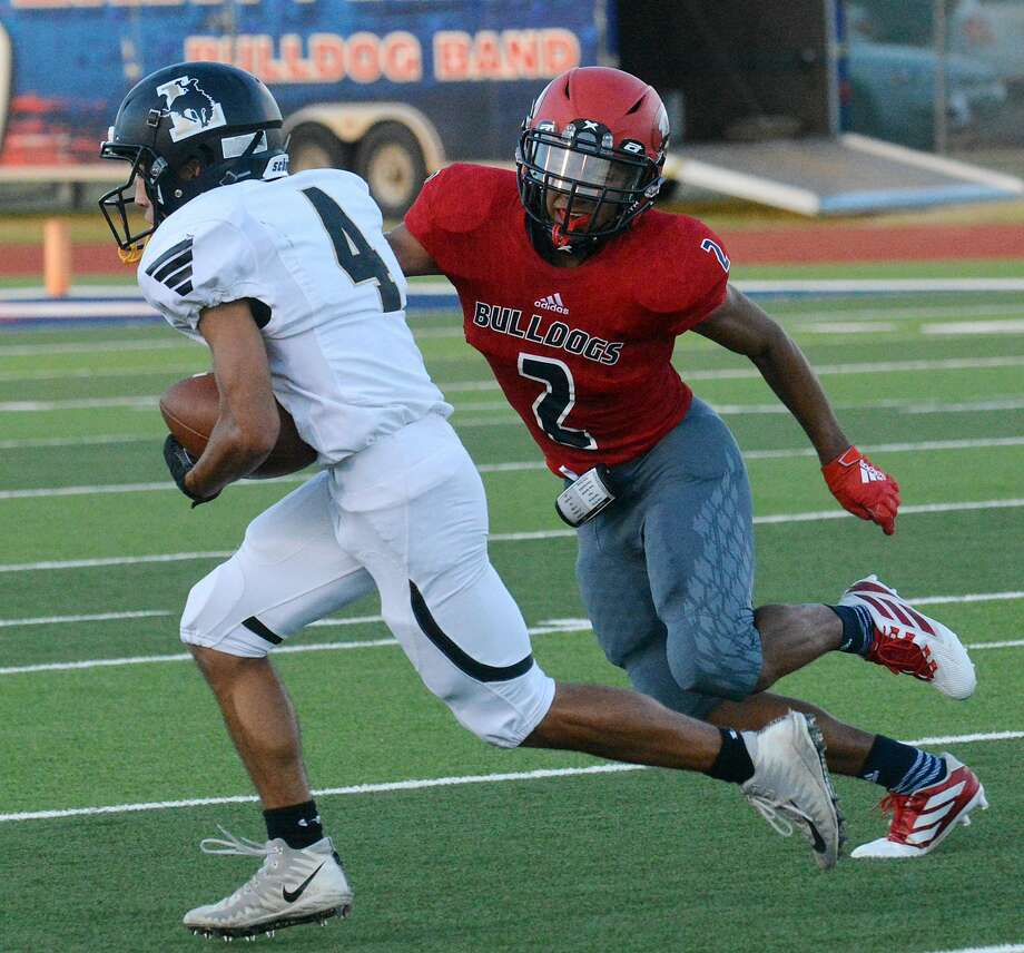 Plainview defensive back Arquileo Arellano attempts to chase down a Lubbock ball carrier earlier this season. Arellano and the Bulldogs return to Greg Sherwood Memorial Bulldog Stadium to host Wichita Falls Rider for their first home game in almost a month. Photo: Nathan Giese/Planview Herald